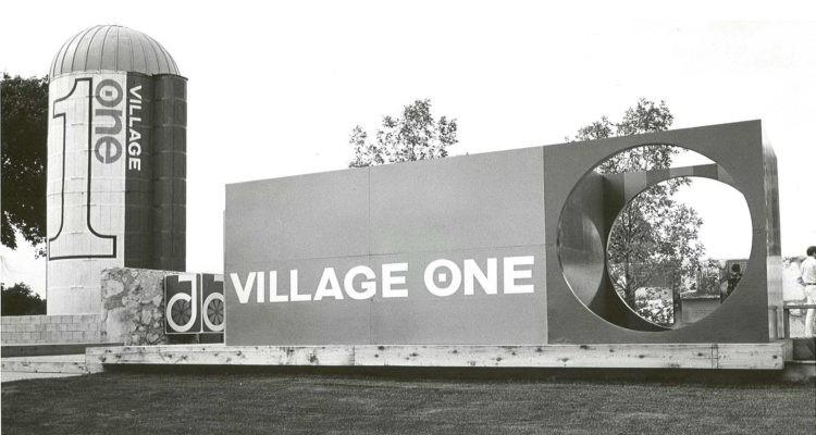 Village One, Jonathan, MN., Alrededor de 1965. Imagen a través de MinnPost